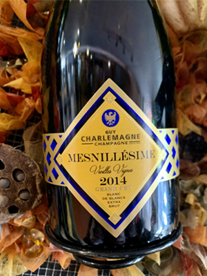 <b>CHAMPAGNE</b><br/><b>CHARLEMAGNE</b><br/>Mesnillésime 2014 (&#9829 2021)<br/>Bouteille 75cl