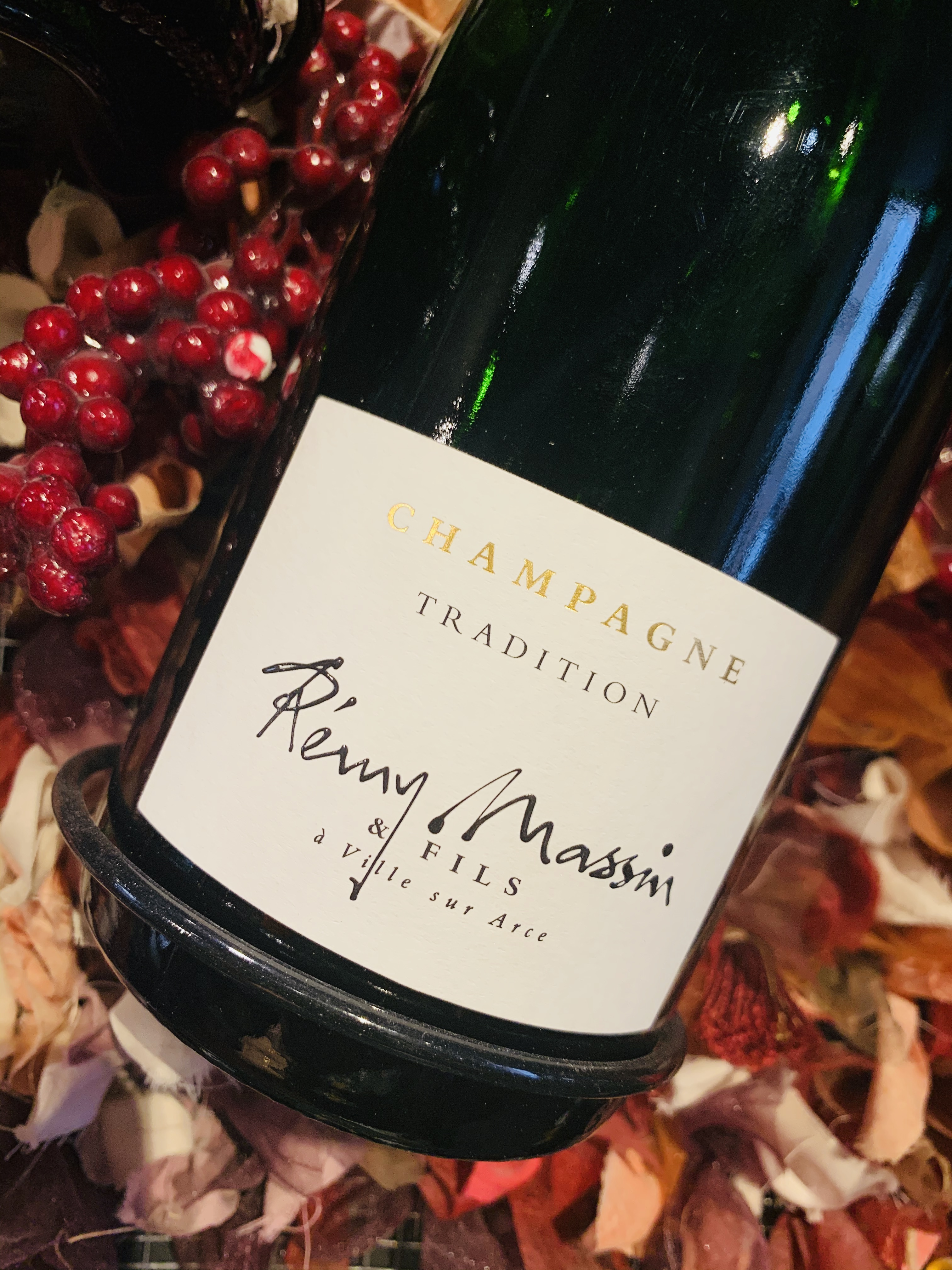 <b>CHAMPAGNE</b><br /><b>RÉMY MASSIN</b><br />Tradition Brut <br />Bouteille 75cl